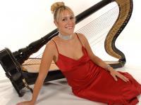 Chiara / Harpist