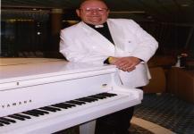 Pianist (3)